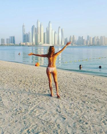 Dubai clo beach