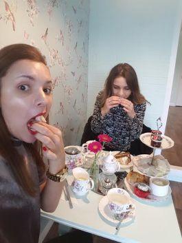 eating cake#